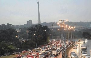 Traffic+jam+Johannesburg+xgold+2012.jpeg